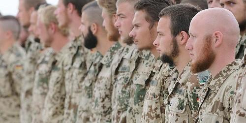 """Vorsitzender des Bundeswehrverbands: """"Bundeswehr nur bedingt einsatzbereit"""""""