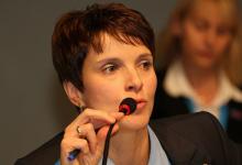 AfD-Krise: Petry legt sich auf Kampfkandidatur gegen Lucke fest