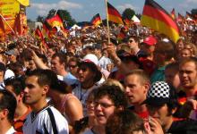 Die Sorgen des Sportsoziologen: Rechtspopulismus – im Fußballstadion auf dem Vormarsch