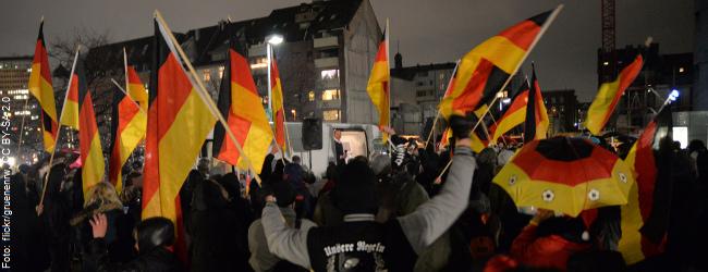 PEGIDA-Liveticker: Der Demo-Montag in Dresden, Berlin, Kassel, Köln und Würzburg