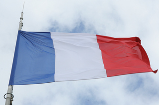 "Wahlen in Frankreich: Präsident Macrons ""En Marche"" klar vorne, Front National bei nur 14 Prozent"