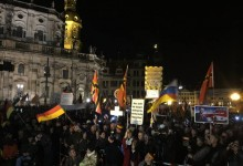"""25.000 Demonstranten bei PEGIDA – """"Schluß mit dem Schuldkult"""""""