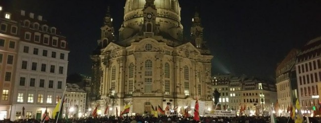 """PEGIDA: """"Die einzige Opposition in Deutschland ist die Straße. Das sind wir, das ist PEGIDA und das ist die AfD."""""""