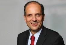 """""""Das Zittern der Kollaborateure"""" – FPÖ-Außenpolitiksprecher Dr. Johannes Hübner im ZUERST!-Gespräch"""