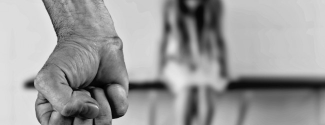 """Siegen: Brutaler Täter mit """"ausländischer, vermutlich arabischer Herkunft"""" prügelt 17Jährige ins Krankenhaus"""