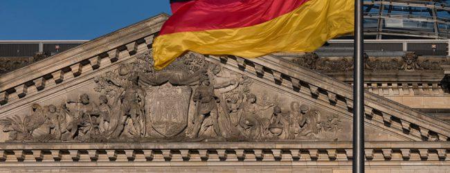 INSA-Umfrage: AfD steht bei 17,5 Prozent und überholt erstmals die SPD