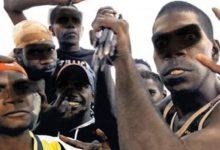 """Erneut Migrantenkrawalle: """"Flüchtlinge"""" auf Samos legen Feuer und greifen die Polizei an"""