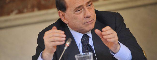 Nach rechtem Wahlsieg in den Abruzzen: Berlusconi will wieder mitregieren
