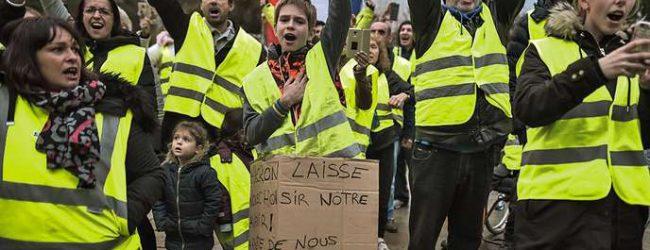 """Macron-Regierung vs. """"Gelbwesten"""": Protestler wollen einen """"Aufstand"""""""