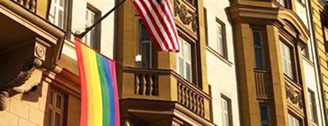 Westliche Botschaften mit Schwulenpropaganda: Moskau protestiert gegen LGBTI-Beflaggung