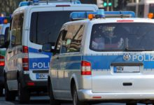 Die neuen Prioritäten der Polizei: Acht Beamte stürmen privaten Kochabend