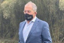 Corona-Maske mit eindeutiger Aufschrift: Russischer Außenminister bekennt Farbe