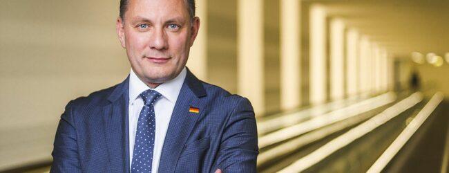 """""""Wir wollen die Grenzen schützen"""" – AfD-Spitzenkandidat Tino Chrupalla im ZUERST!-Gespräch"""